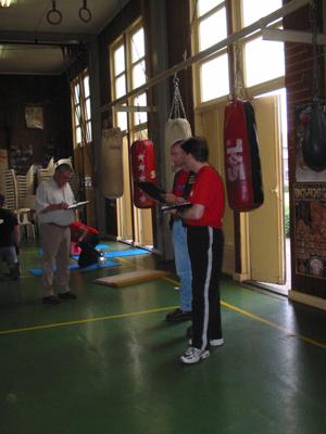boksen_examen__examencommissie_is_er_maar_druk_mee
