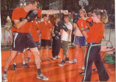Demonstratie_boksclub_ABCC_op_Shake_2005_Apeldoorns_Stadsblad